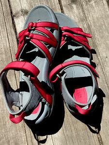 Women's TEVA Tirra Sandals sz  9 Pink  & Gray Sport Hiking Water Shoes 4266