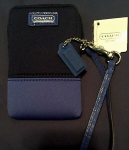 NWT COACH  Case Wristlet Neoprene Blue/black Great For Days On The Water! 🏖