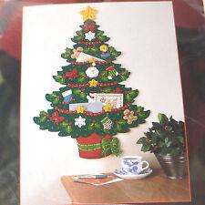 Bucilla Christmas Tree Greeting Card Holder Felt Wall Hanging Kit NIP 84826 Noel