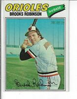 BROOKS ROBINSON 1977 TOPPS BASEBALL AUTOGRAPHED CARD 285 BALTIMORE ORIOLES