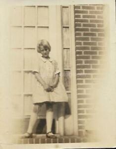 SMALL FOUND PHOTOGRAPH  Color SCHOOL GIRL Original Portrait VINTAGE 05 26 G