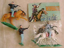 2 SOLDATINI TOY SOLDIERS HONG KONG ANNI '80 SWOPPET NORDISTI PLASTICA SCALA 1/32