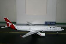 Aeroclassics 1:400 Qantas Airbus A330-300 VH-QPB (ACVHQPB) Model Plane