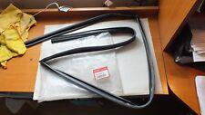 New Genuine Honda CR-V 07-09 R/H Delantero Ventana ejecutar Chanel 72235-SWW-E11 A88