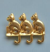 Vintage three cats   brooch pin in gold tone metal