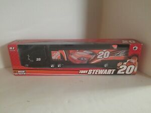 """""""NEW"""" WINNERS CIRCLE TONY STEWART #20 HOME DEPOT TRACTOR TRAILER 1/64TH SCALE"""