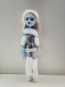 Monster High First Wave Abbey Bominable Doll Excillent Condition