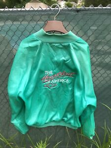 Vintage Chevrolet Heartbeat Of American Windbreaker Size Large Made In USA