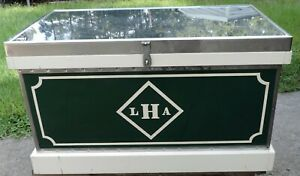 Tack Trunk Hunter Green, Stainless Top + Corners with White Trim