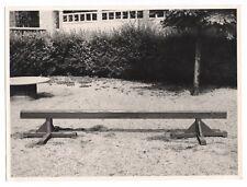 PHOTO ANCIENNE Cour de Maternelle École Jeux Jeu extérieur Poutre en Bois
