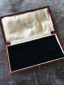 Box Medal Antique  Jewellery Case London (1942J)