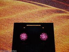 Mode-Ohrschmuck aus Stein mit Cabochon-Schliffform