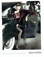 PUBLICITE ADVERTISING 126  2011  les bagages valises sac Louis Vuitton
