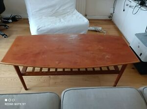 Vintage central table