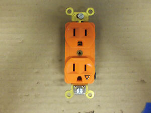 HUBBELL IG5262 ORANGE RECEPTACLE 15 AMP 125V W/ISOLATED GROUND 2 POLE 3 WIRE