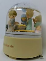 Precious Moments Snow Dome Come Let us Adore Him snow globe Large