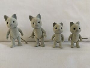 Sylvanian Families Solitaire Siamese Cat Family