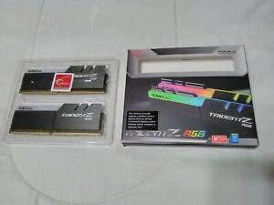G.SKILL TridentZ RGB Series 16GB (2 x 8GB) F4-4266C19D-16GTZR PC4 34100