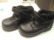 Chaussures garçon pointure 24 fourré neuve