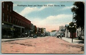 Postcard~ Washington Street & Dewey Hill~ Grand Haven, Michigan~ c926