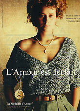 PUBLICITE   1976   LA MEDAILLE D'AMOUR  bijoux préface ROSEMONDE GERARD