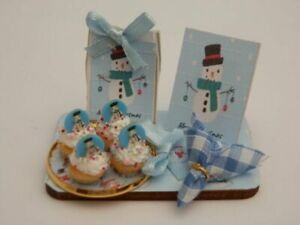 Dolls house food: Christmas snowman cupcakes  display board -By Fran