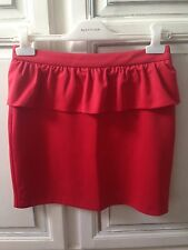 Jupe courte rouge à basques Pull and Bear taille 38