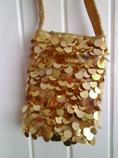 LADIES CUTE LITTLE VINTAGE GOLD METAL DISC EVENING / PARTY SHOULDER BAG