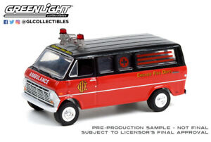 Greenlight Hobby Exclusive Chicago Fire Dept. 1969 Ford Club Wagon 30242