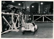Enfant Auto Electrique c. 1950 - DIV 3471
