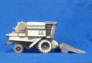 New Holland TR 88 Combine, Die-cast Toy, B8