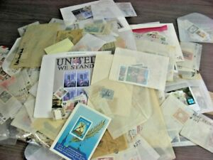 WW, BRITISH COLONIES, RUSSIA, Accumulation of 2000+ Stamps & some covers in gla
