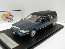GLM 43102702 - Lincoln Towncar Hearse Leichenwagen Bj. 1997 in blaumetallic 1:43
