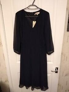 BNWT LADIES BILLIE & BLOSSOM V NECK LINED ZIPPED BACK BLACK DRESS SIZE 10