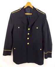 Kleidung & Uniformen