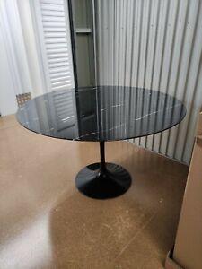 Knoll Studio Dining tulip table Eero Saarinen