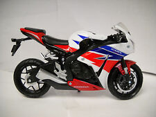 Honda 2016 CBR1000RR 1:12 Sport Bike Motorcycle Toy Model by New Ray 57793
