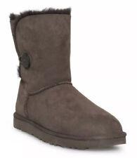 UGGS  Women's Bailey Button II Boots Chocolate Brown Size 6 NIB 5803