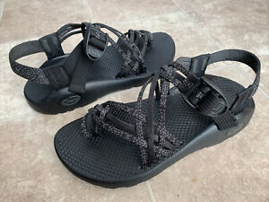 Chaco J105524 Multi Thin Straps Toe Loop Black Pink Dots Sandals Women's Size 7