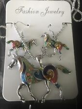 UNUSUAL ENAMEL HORSE NECKLACE & EARRING SET LOVELY GIFT BN