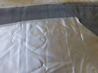 1,20x120x tissus satiné reversible gris clair et foncé  couture ,créatifs