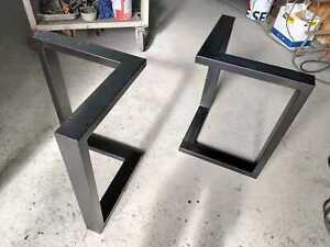 2x Gambe/Base Tavolo In Ferro verniciato, stile Industrialedesign moderno