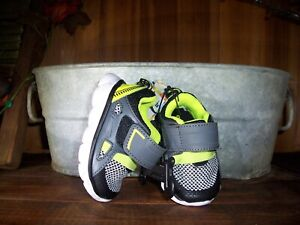 GARANIMALS BOYS TODDLER ATHLETIC SHOES SNEAKERS SIZE 3 GRAY GREEN CASUAL ADJUSTA