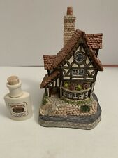 David Winter Cottages Collectors Guild Thameside Collector's Place No. 13