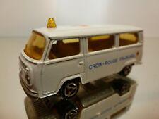 MAJORETTE 244 VW VOLKSWAGEN T2 BUS - AMBULANCE CROIX ROUGE - WHITE 1:60 - GOOD