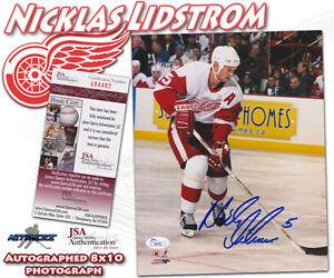NICKLAS LIDSTROM Signed DETROIT RED WINGS 8x10 PHOTO - JSA #I84482