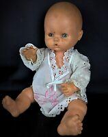 Ancienne vintage poupée caoutchouc ou latex Famosa Espagne les yeux  se ferment
