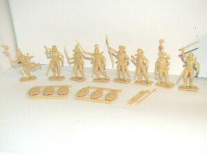 OOP ITALERI 1/32 GAUL WARRIORS X 8 MINT  HALF SET ALL POSES ROMAN EMPIRE AGE