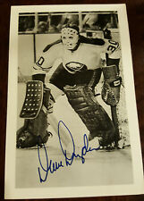 1973-74 RAUM BUFFALO SABRES TEAM ISSUE SIGNED CARD POSTCARD DAVE DRYDEN WHA