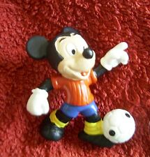 """Disney: """"Micky Maus mit Fußball, als Fußballer"""": Comic Figur Bully, neu"""